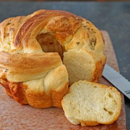 Braided Cheesy Brioche with Thyme